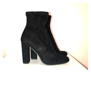Steve Madden suede ankle high heel ankle boot